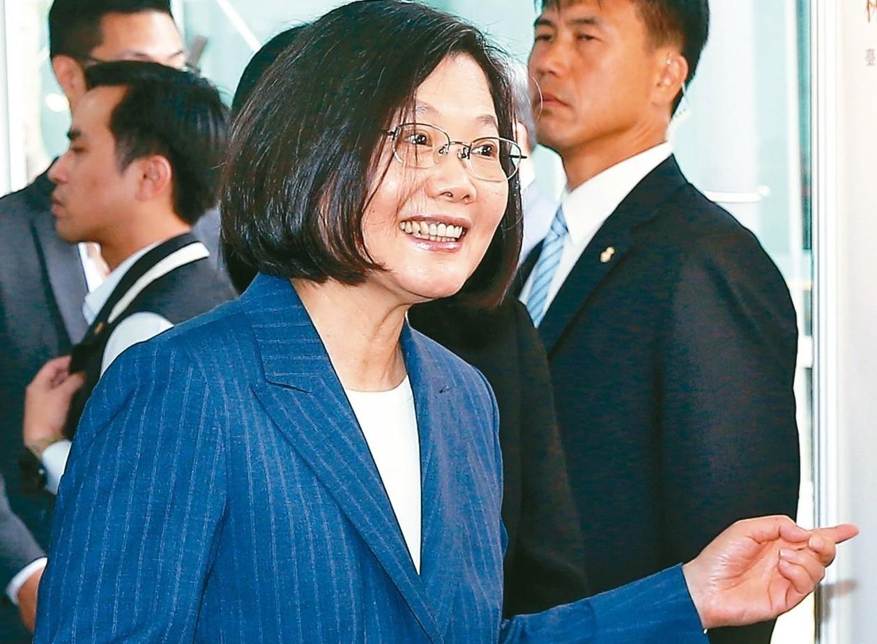 蔡英文總統上午出席台灣金融聯合都市更新服務公司揭牌儀式。 記者余承翰/攝影