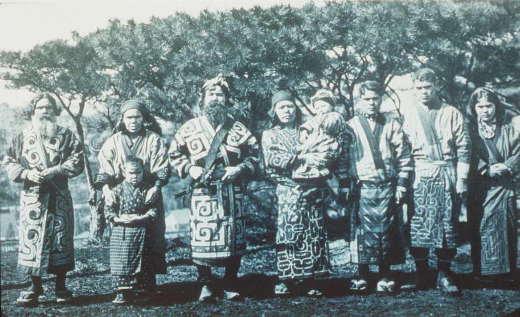 日本政府主張,目前日本並不存在足以成為集體權權利主體的愛努部落,因此無需、也無從...