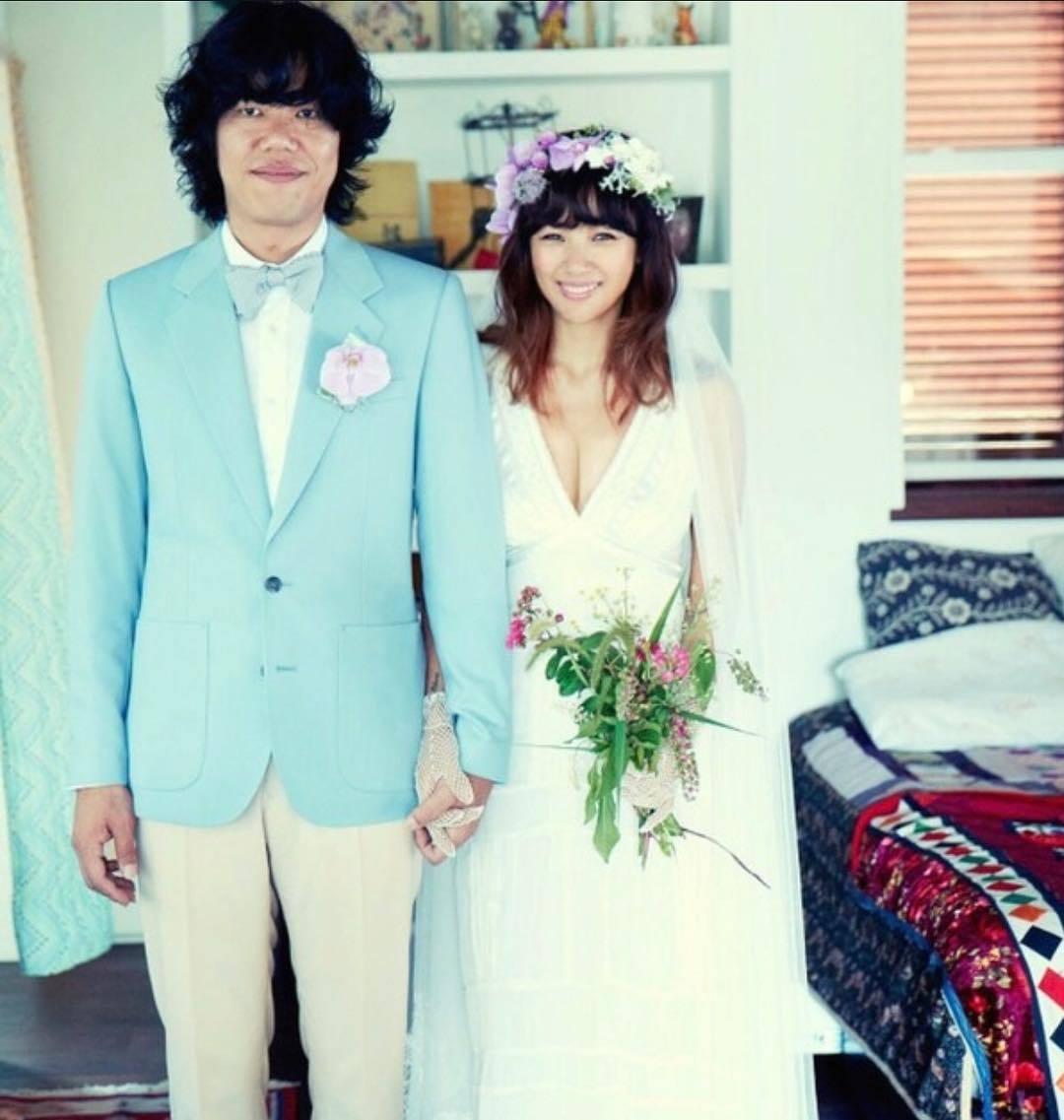 李孝利婚後淡出演藝圈,和老公移居濟州島低調過日子。