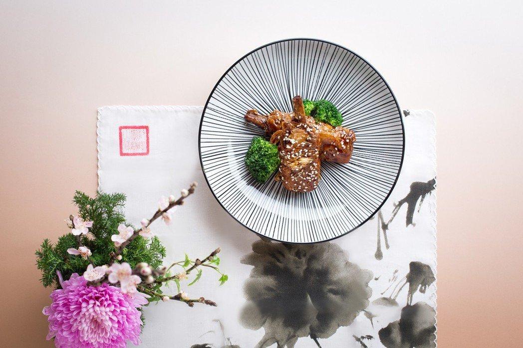 台北君悅-雲錦中餐廳綠色菜單_棒棒素腿。