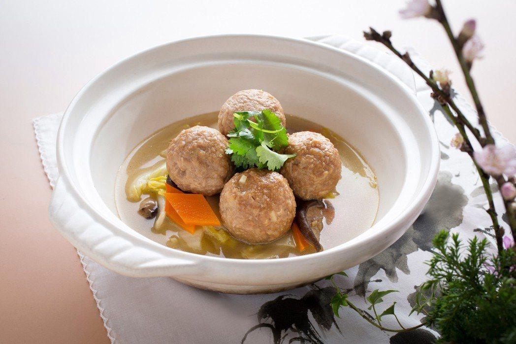 台北君悅-雲錦中餐廳綠色菜單_砂鍋白菜素獅子頭。