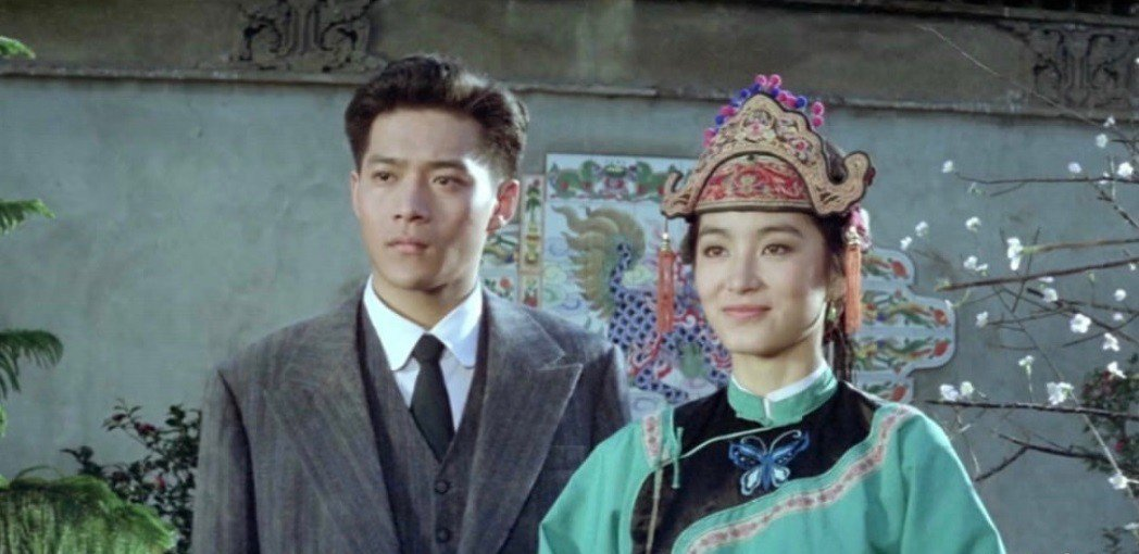 周紹棟與林青霞在「碧血黃花」飾演革命烈士林覺民夫婦 。圖/翻攝自YouTube