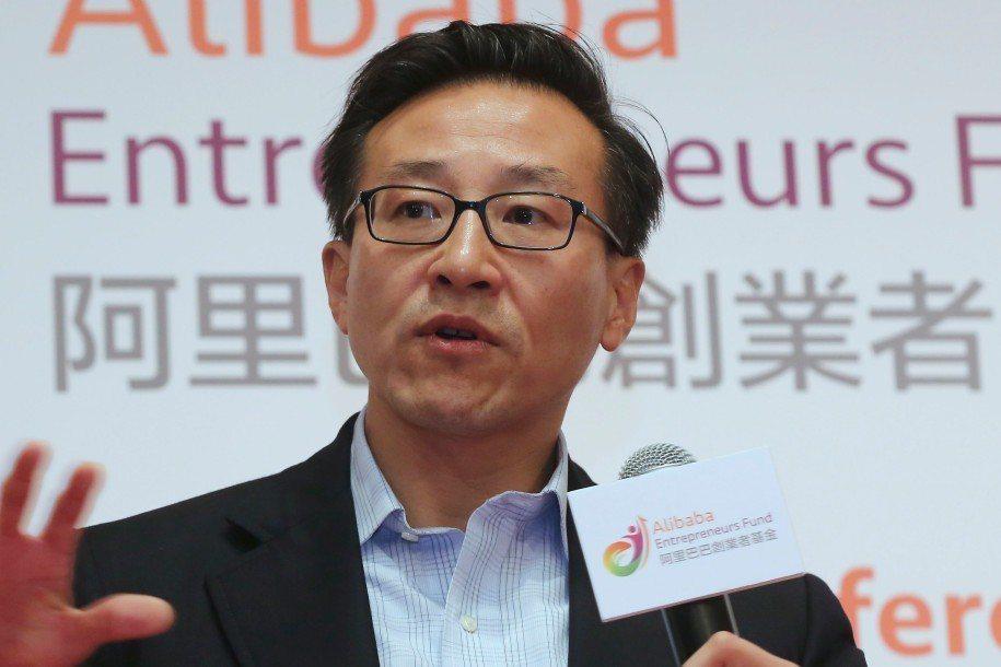 蔡崇信獲籃網全部股份,成為首位台灣老闆。 報系資料照