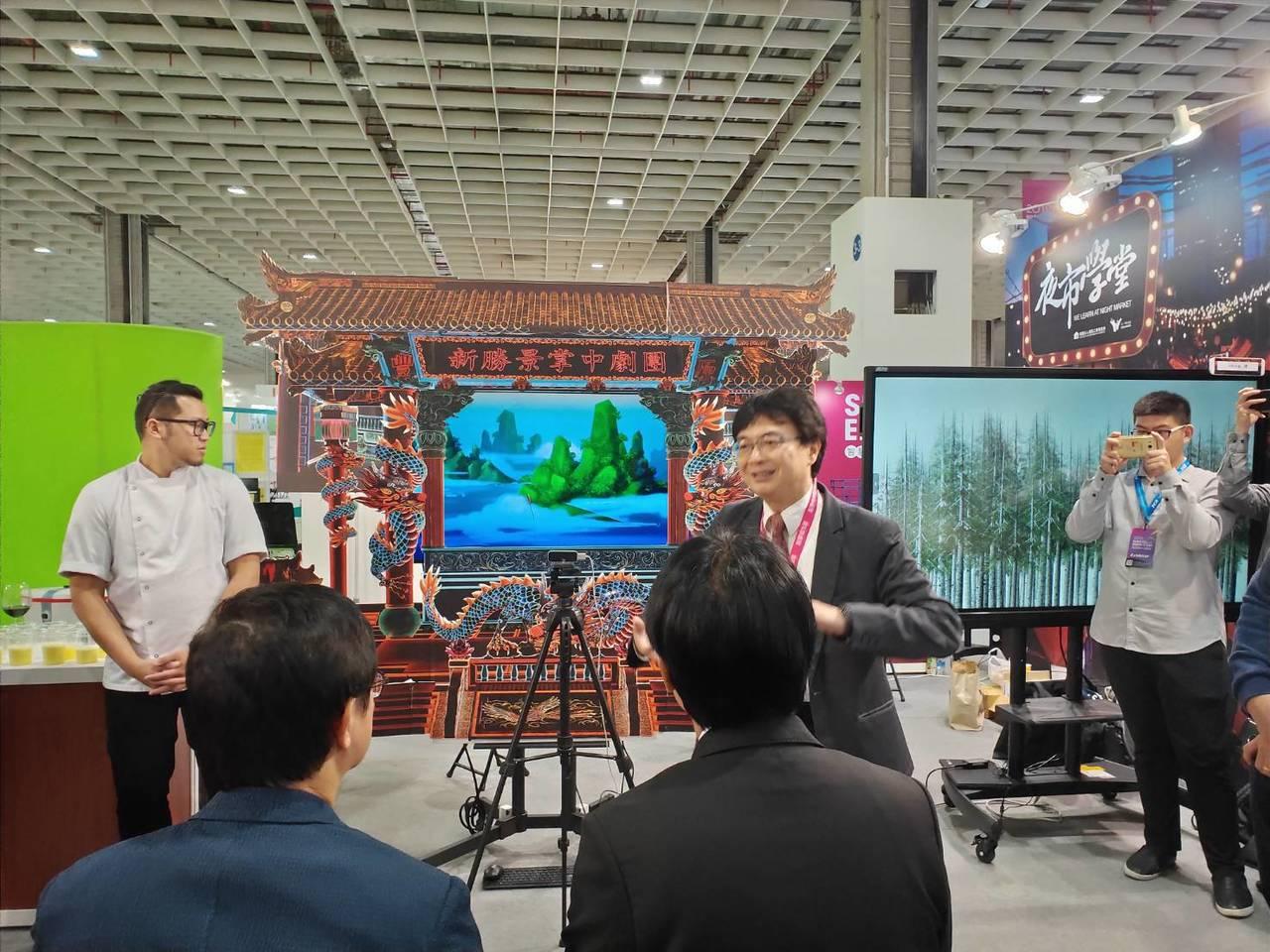 行政院前院長賴清德今天參訪智慧城市展。記者徐偉真/攝影