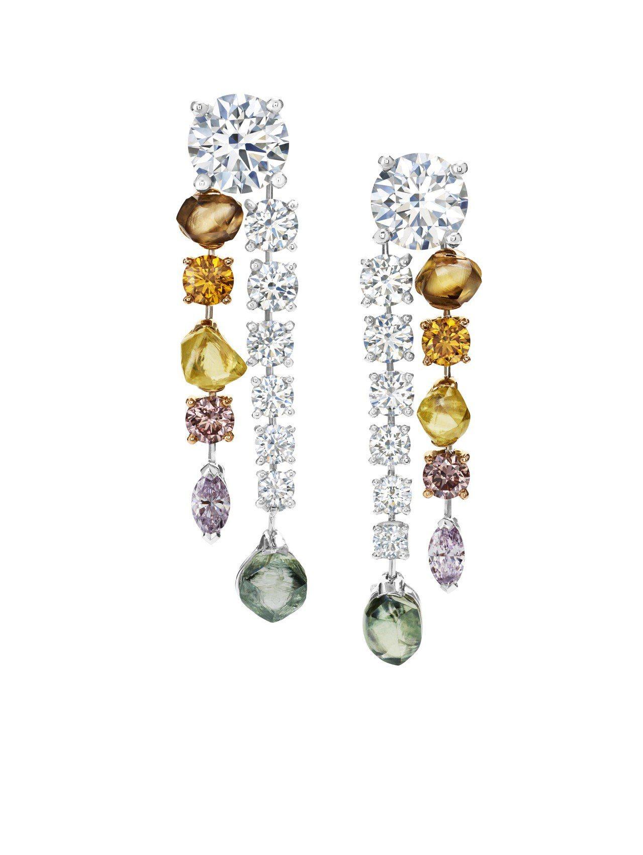 De Beers Vulcan高級珠寶鑽石耳環,約665萬元。圖/De Beer...