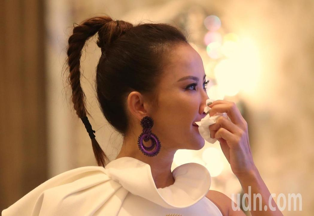 歌手李玟在記者會上想起歌迷的支持感性落淚。記者王騰毅/攝影