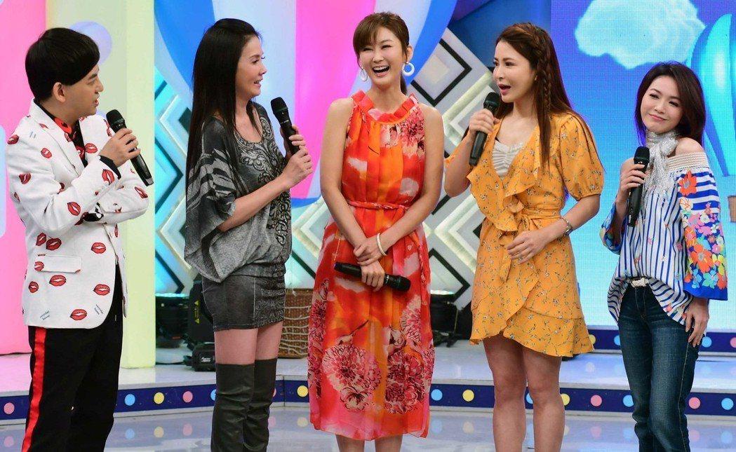 八點檔反派女星們一起同台。圖/華視提供