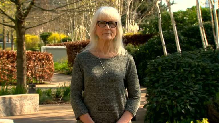 英國一名71歲的婦人在偶然的機會下發現自己異於常人之處,基因突變使她感受不到痛覺...