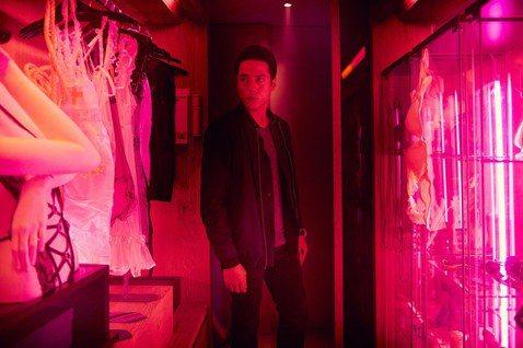 超限制級國片「緝魔」獲選金馬奇幻影展,將於4月13日進行世界首映,主要演員都將現身與粉絲進行近距離的接觸,也特別邀請到場觀眾一同穿著配合電影氣氛的紅衣服入場,可以更貼近電影的恐怖氣氛。「緝魔」以充滿...