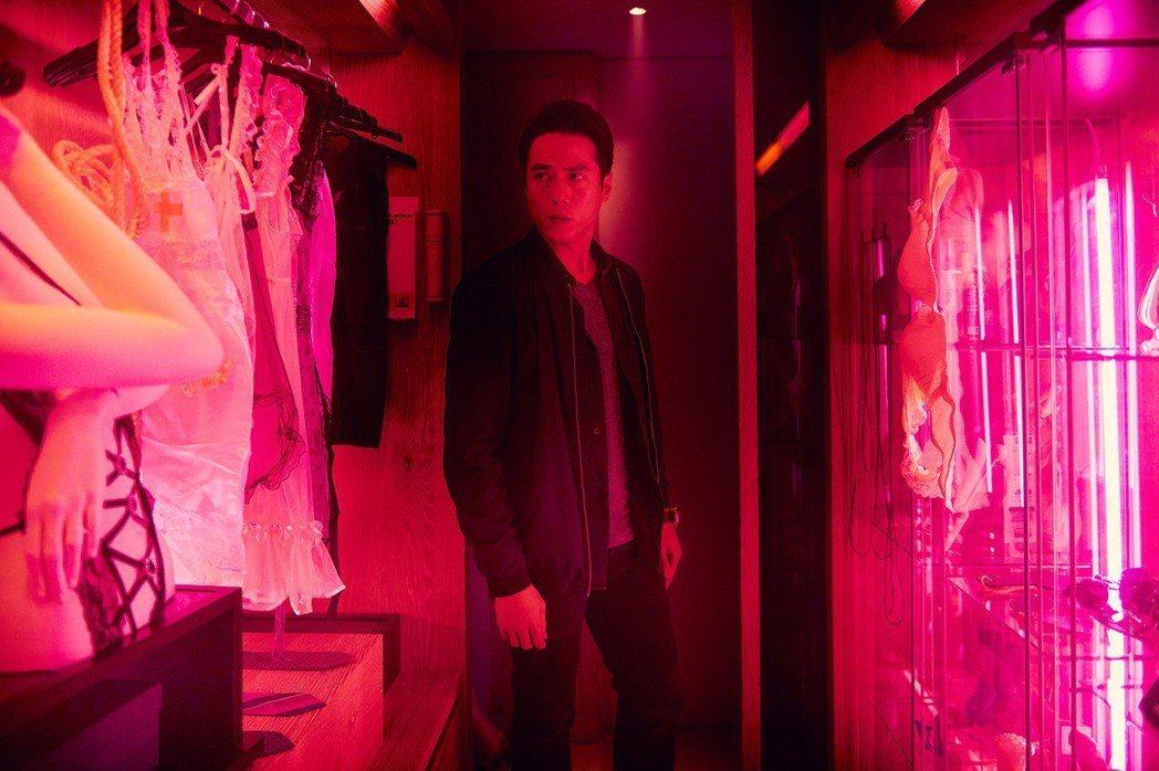 莊凱勛在限制級驚悚片「緝魔」飾演刑警。圖/華映提供