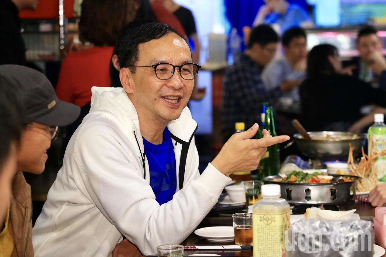 朱立倫提出「確實執行死刑」政見,遭台灣廢死聯盟執行長林欣怡指出是為了「搶聲量」。...