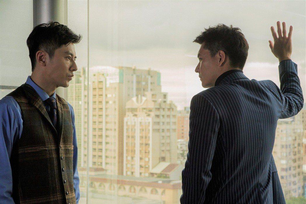 李國毅(左)、王傳一認識多年卻首度演出對手戲。圖/東森提供