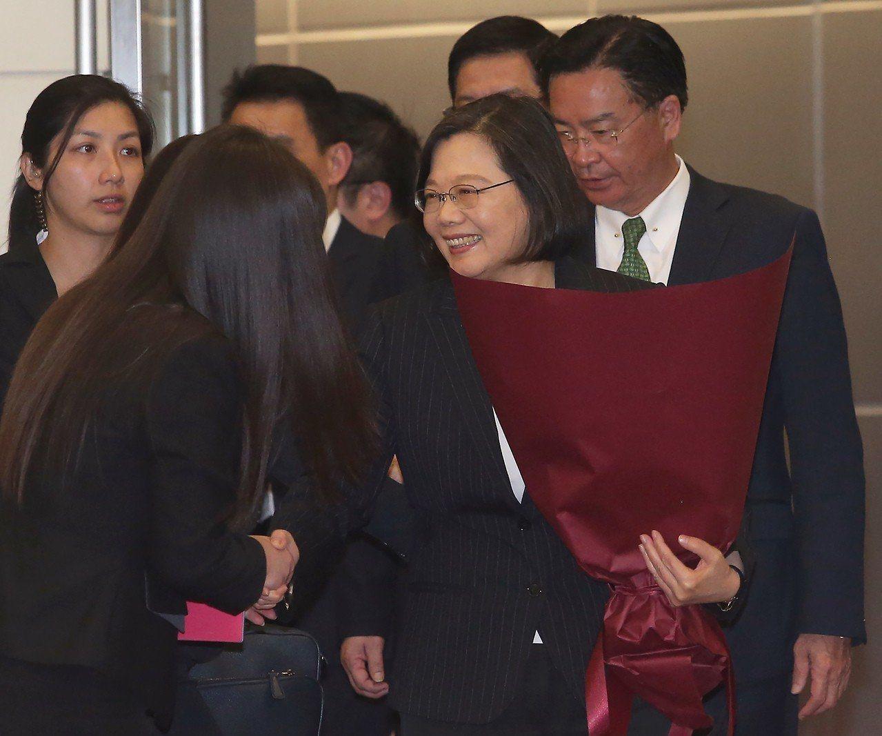 美國國務卿龐培歐在美國國會指出,美方正運用所有工具,阻止中國大陸透過外交手段孤立...