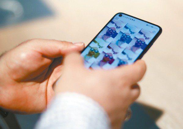 雖然5G商用服務尚未上路,美國無線電信業宣傳行銷大戰卻已開打!隨著電信產業在日常...