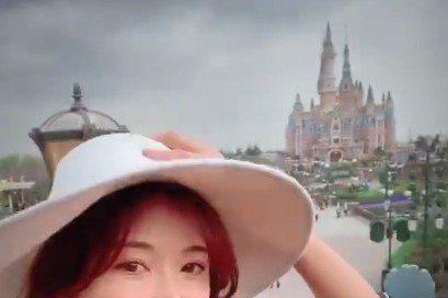 林志玲宣布閃婚AKIRA後,兩人現在人已在日本,記者實際致電林志玲,發現林志玲的手機來電答鈴真的超甜蜜,瞬間洩露放閃心情,而她的來電答鈴就是韓劇「來自星星的你」主題曲「 My Destiny」。記者...