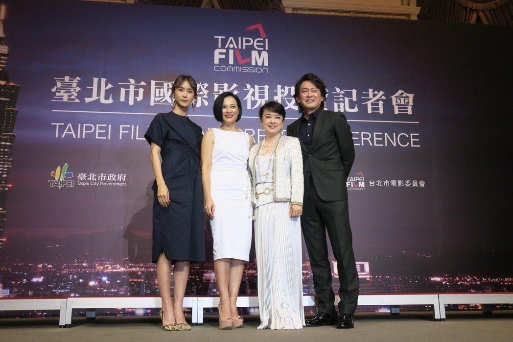 鍾瑶(左起)、楊雁雁、翁倩玉、王識賢都參與跨國合作的新片。記者蘇詠智/攝影