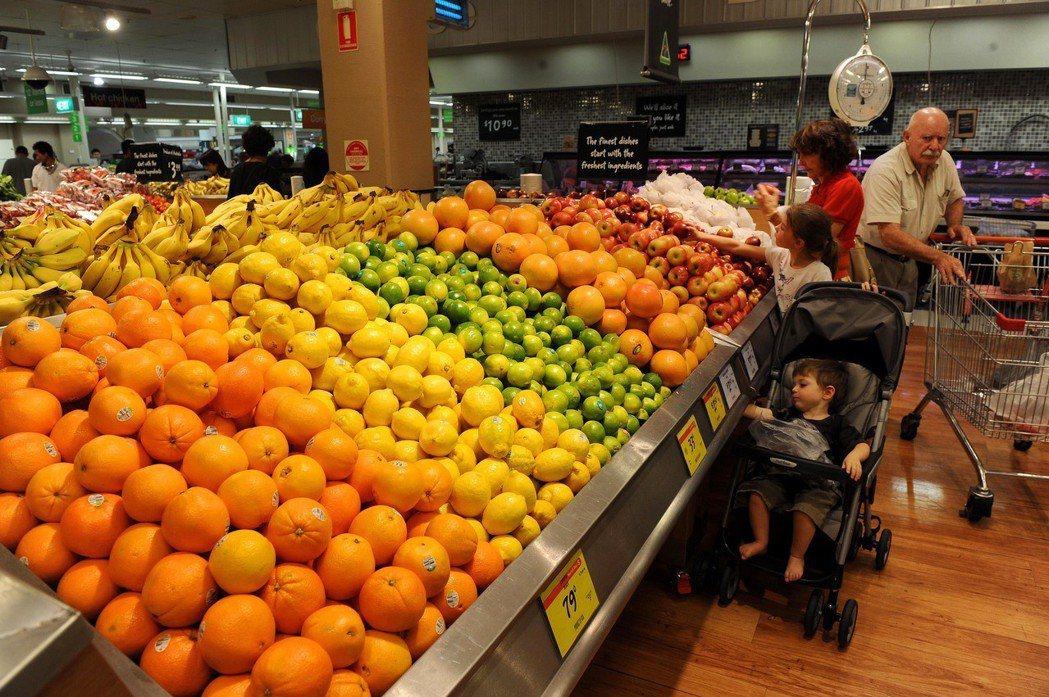 澳洲超市水果部檔案照。新華社