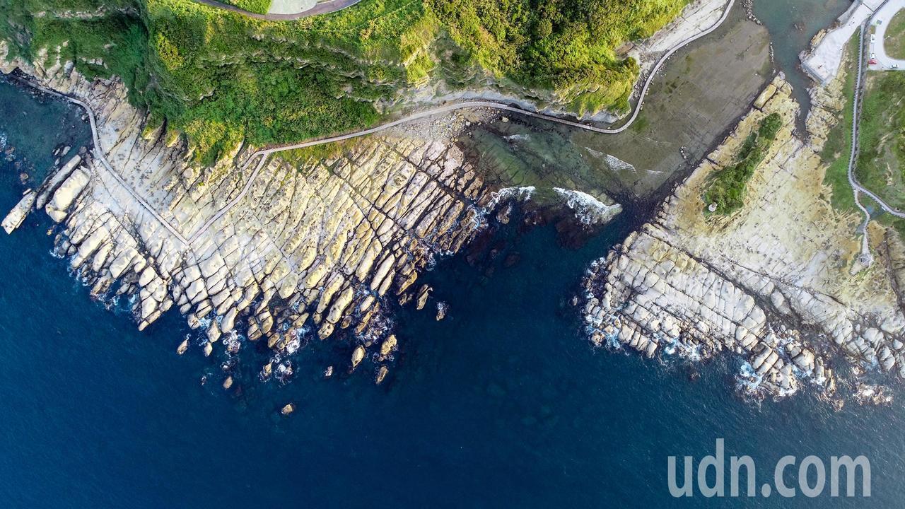 和平島公園擁有北海岸獨特海蝕地景,園內有十大守護岩,各具特色。圖/報系資料照,記...