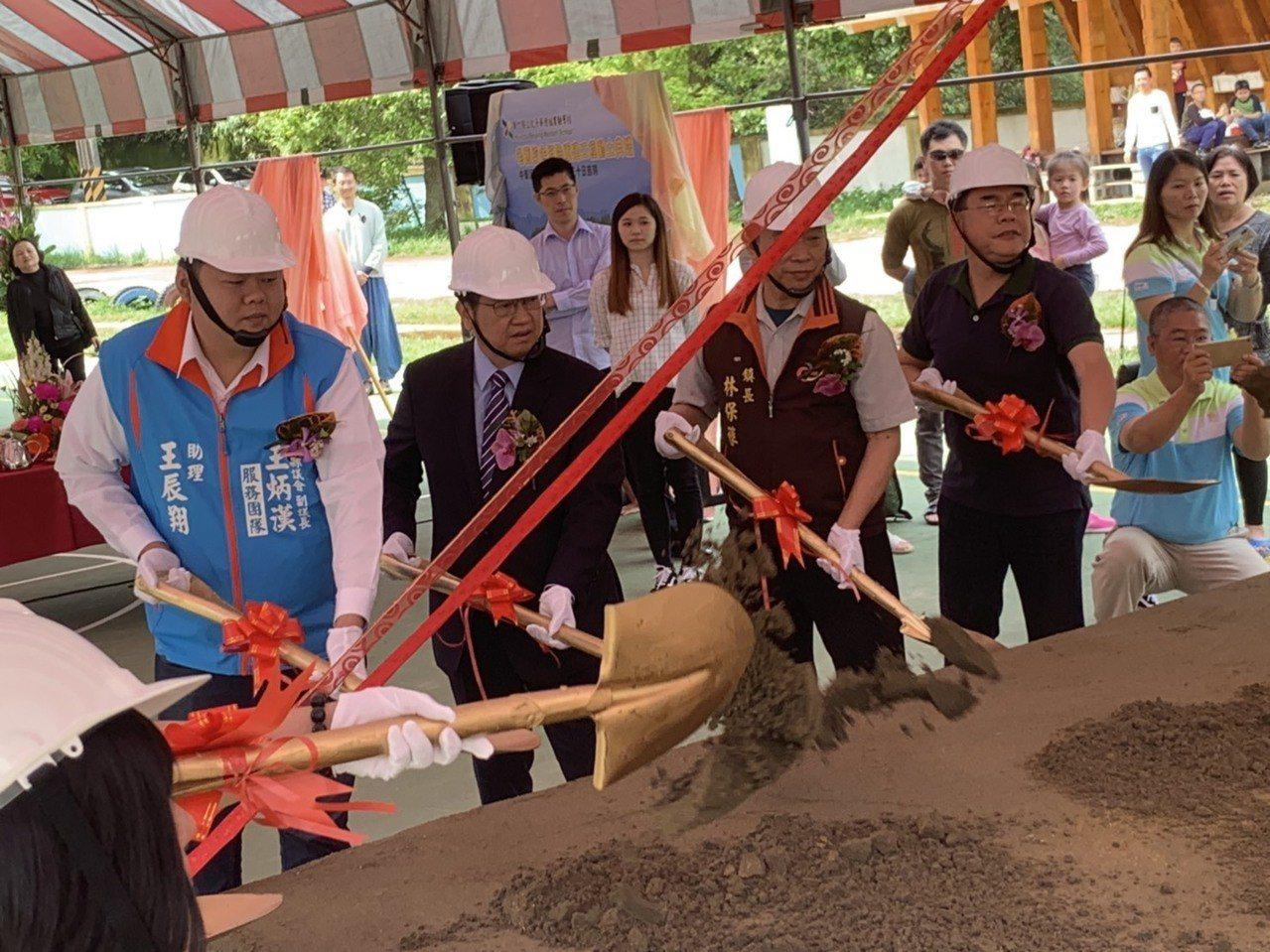 位於新竹縣新埔鎮的北平華德福實驗學校,因原有校舍老舊,今天舉行整建工程動土典禮。...