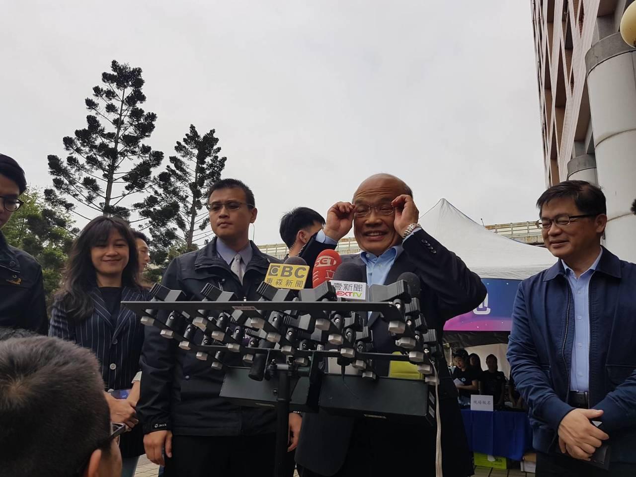 行政院長蘇貞昌今天表示,對於有意願參選的蔡賴兩人,會用智慧及心意,想出更好、更能...