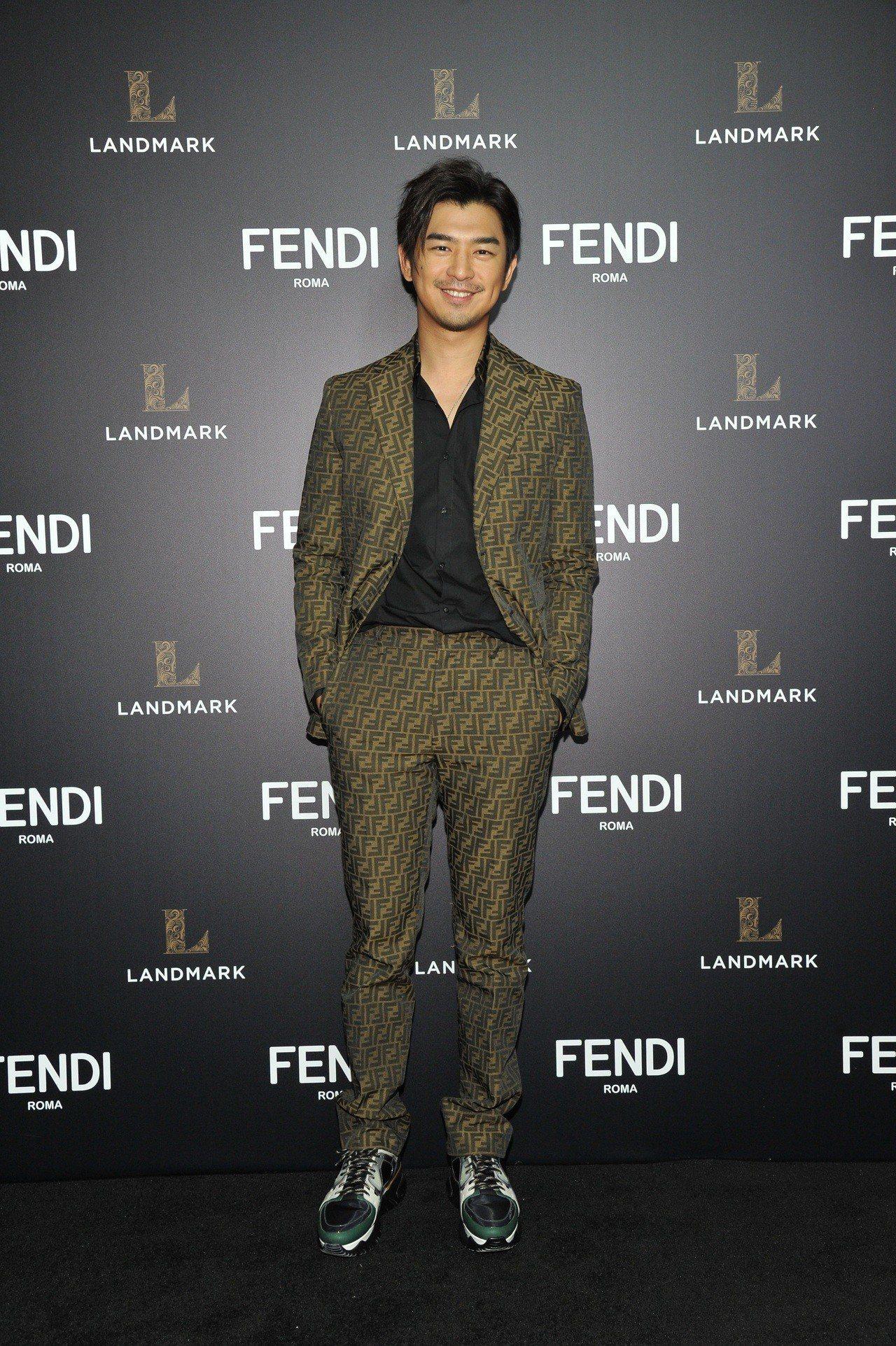 陳柏霖演繹FENDI logo系列的帥氣時髦。圖/FENDI提供