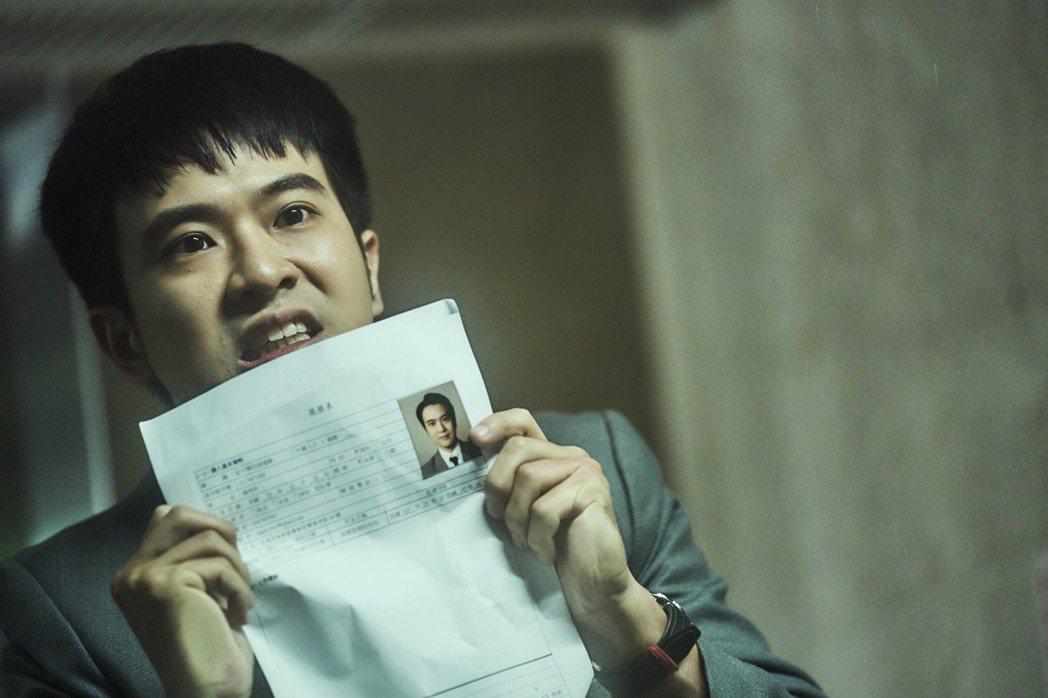 顏毓麟在「青春魯蛇物語」劇中不斷面試找工作卻處處碰壁。圖/華視提供