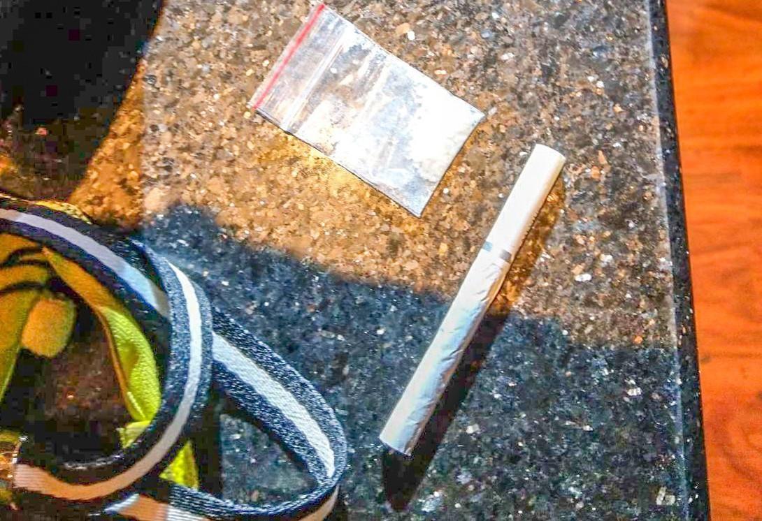 警方起獲多包K他命、K菸等毒品。 記者蔡翼謙/翻攝