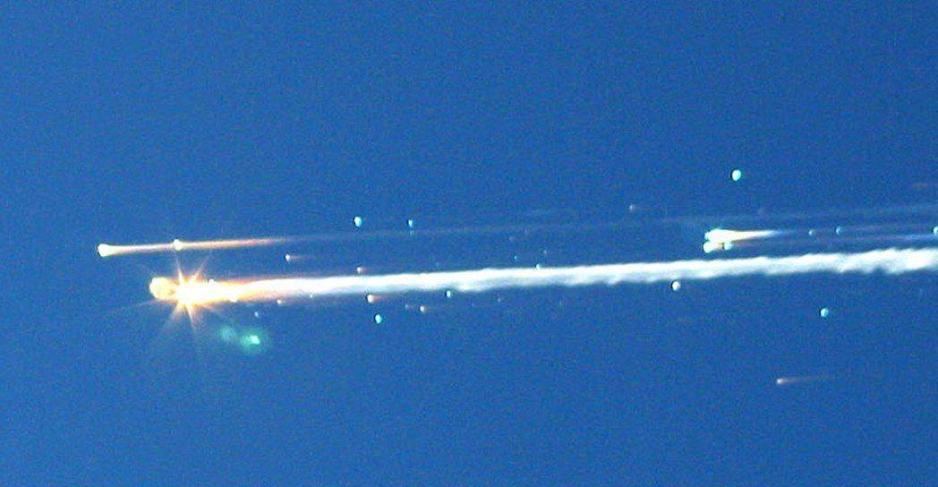 美國哥倫比亞號太空梭2003年2月1日在德州上空爆炸解體,7名太空人喪生。美聯社...