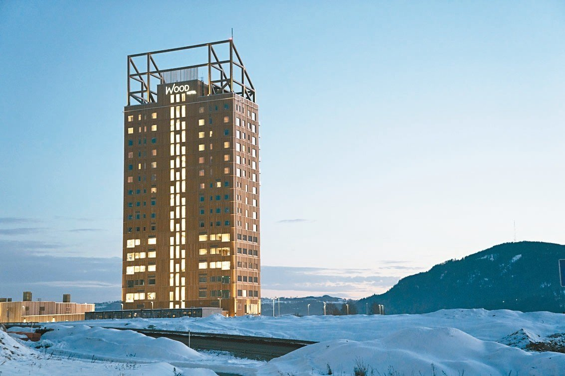 挪威18層高的米約薩塔3月15日正式啟用,成為全球最高的木造大樓。 美聯社
