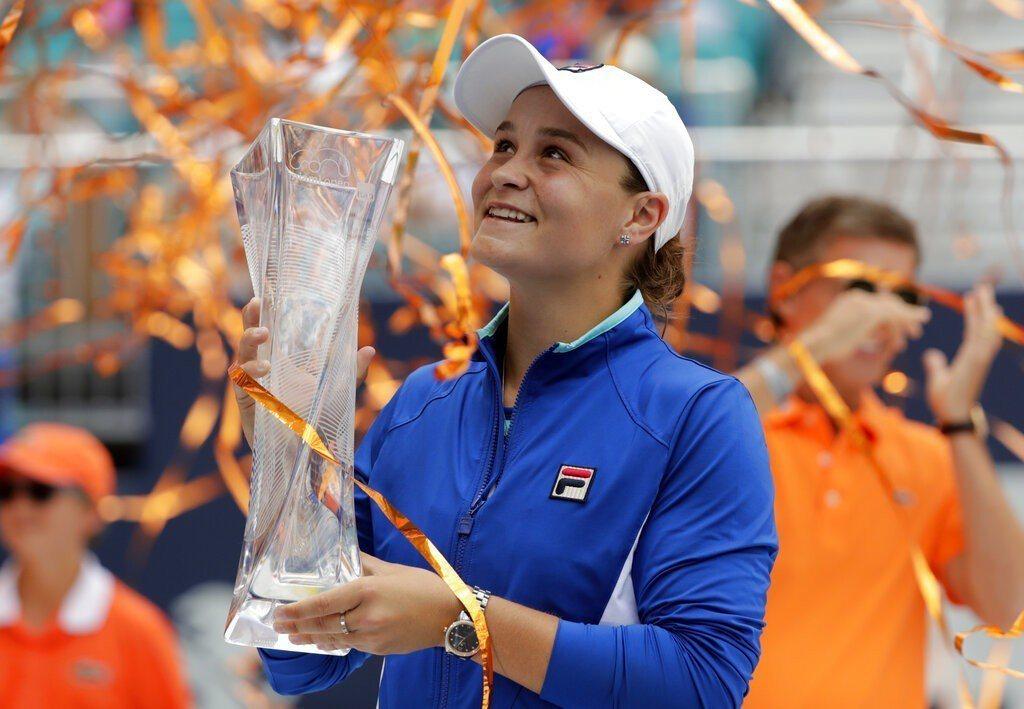澳洲網球女將巴蒂在邁阿密網賽女單封后。 美聯社