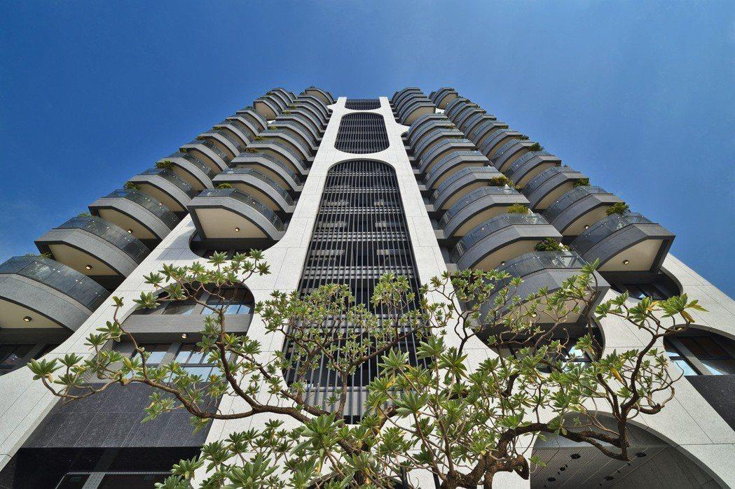 「吉隆天森」是吉隆建設在鳳山規劃的大樓案。