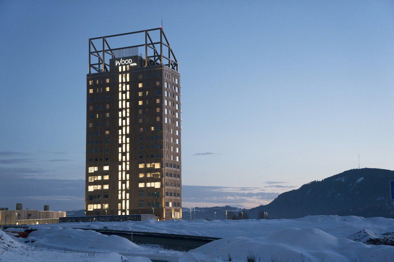 挪威18層高的米約薩塔3月15日正式啟用,成為全球最高的木造大樓。美聯社
