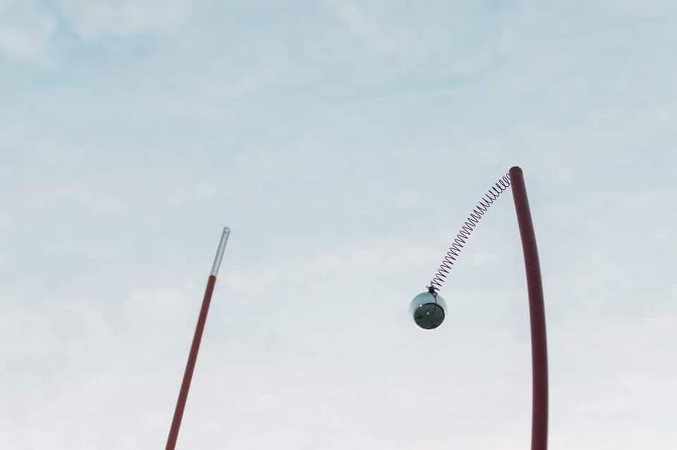 漁光島藝術節藝術品被破壞。圖/取自網路