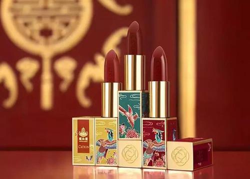 大陸彩妝品牌卡婷與頤和園聯名定製的「百鳥朝鳳」,掀起搶購熱潮。照片/百度圖庫