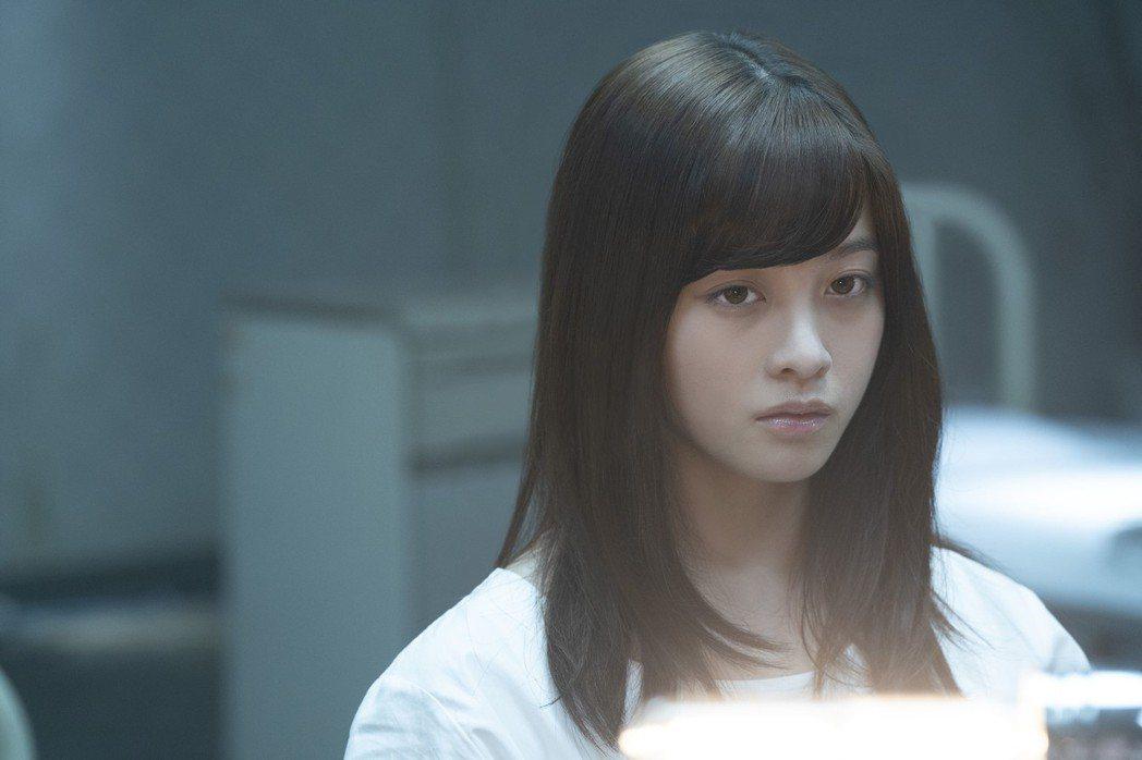 橋本環奈有「千年一遇美少女」的名號,在新片「十二個想死的少年」也有亮眼表現。圖/...