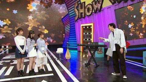 螢幕上常不計搞笑形象的風田,日前在主持的八大「娛樂百分百」現場,只因彈琴頻失誤,竟變臉開罵,牽拖表演的女團「AKB48 Team TP」不配合排練,風田一氣之下離開攝影棚,而慘遭被罵的團員們立刻當場...
