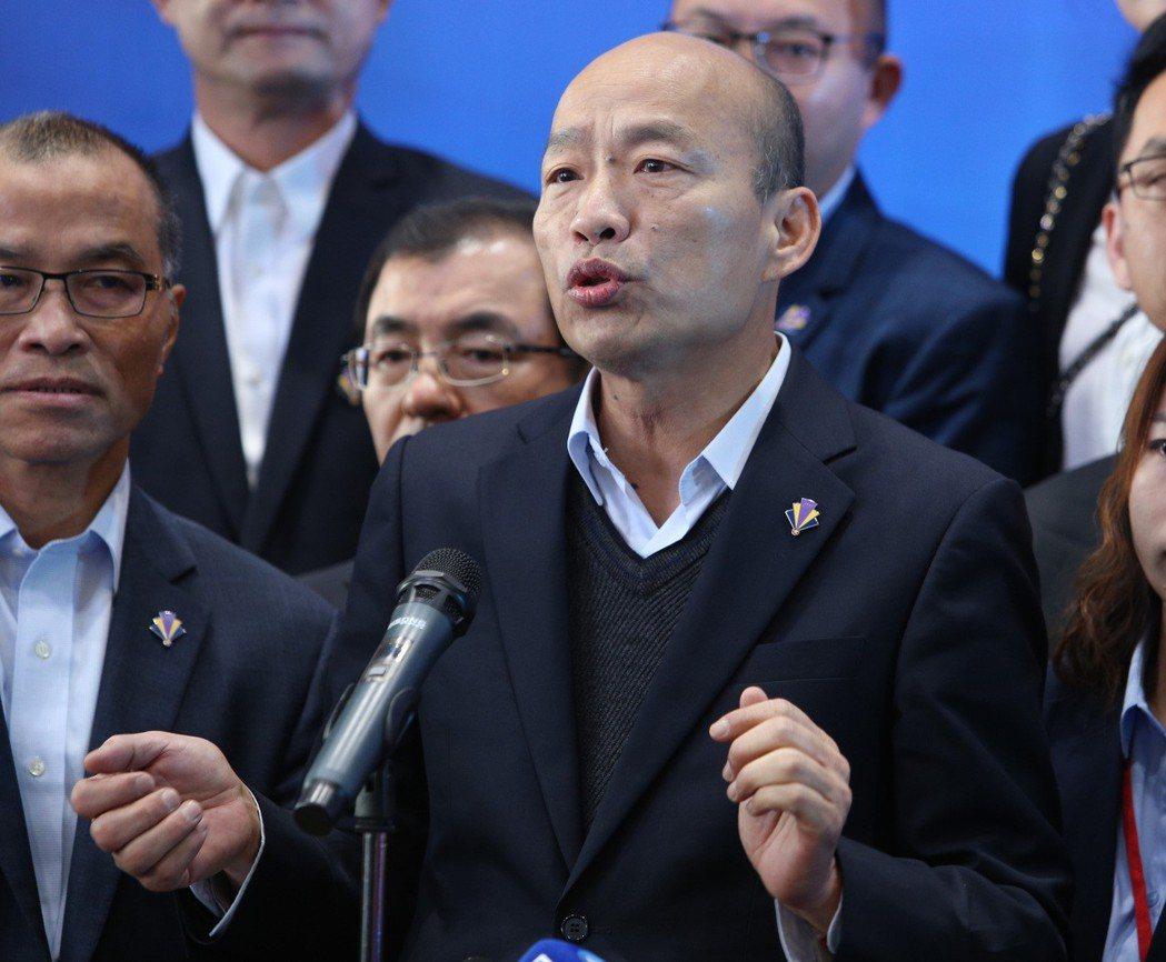 高市長韓國瑜到底選不選總統,至今遲未明確表態,倒是說了不少引人聯想的「玩笑話」。...