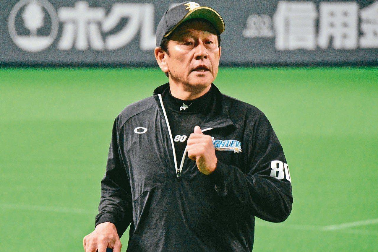 火腿隊監督栗山英樹今年遇到執教生涯重大危機,球隊戰績接近殿底,跟他過去的豐功偉業...