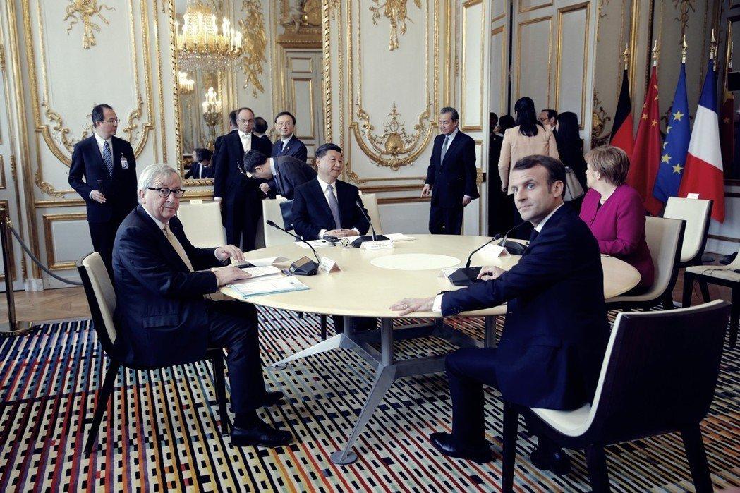 「歐洲對中國存有天真幻想的時代已過去。」習近平結束訪義、來到巴黎,馬克宏邀請梅克...