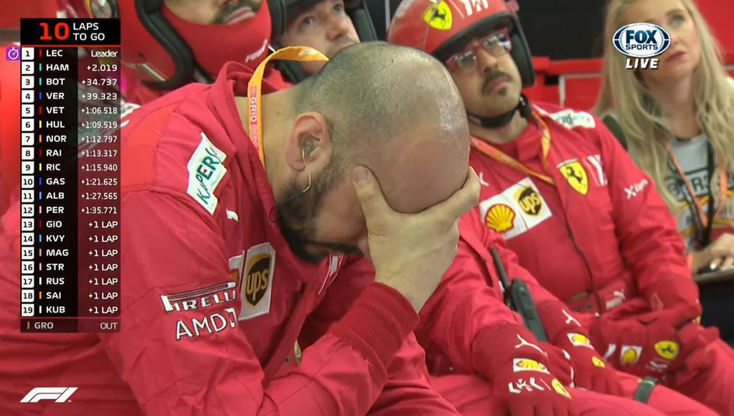 情勢大好的Ferrari接二連三的發生狀況,車隊氣氛也相當低落。 截自FOX+