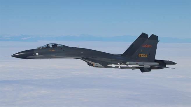 中共空軍殲11戰鬥機。圖╱引自中共空軍微博