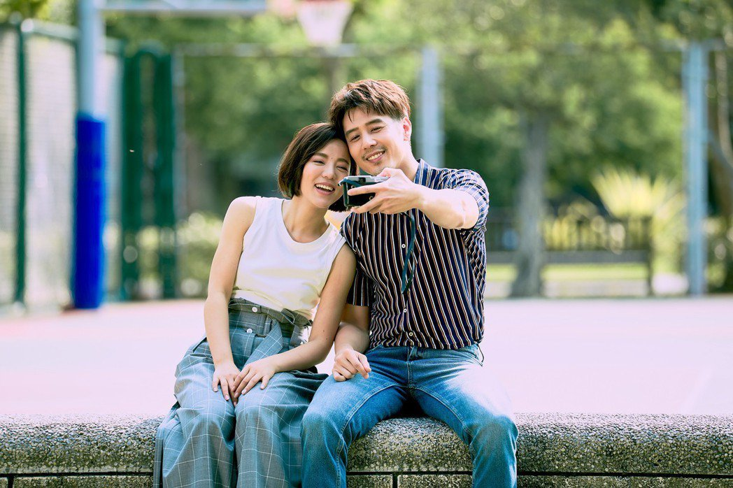 丁噹(左)和胡宇威合作演出情侶。圖/相信提供