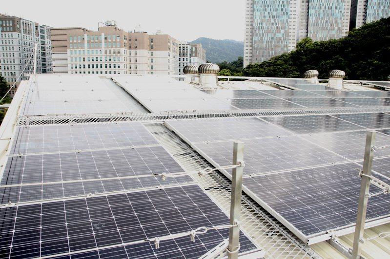 去年是台灣太陽能製造業最慘的一年,卻也是下游太陽光電系統安裝量最好的一年,首次新增安裝量突破1GW。 圖/聯合報系資料照片