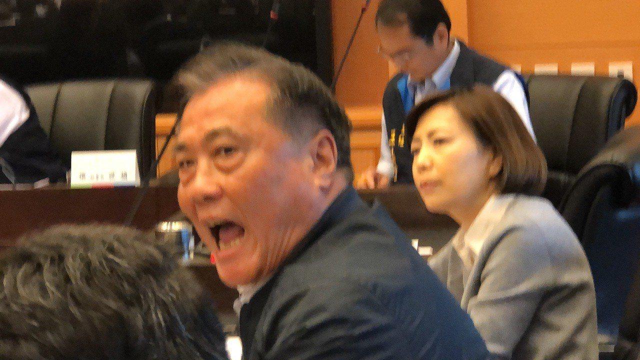 國民黨議員楊正中要求退回花博票務案,他表示沒有真相就不審查。 記者陳秋雲/攝影