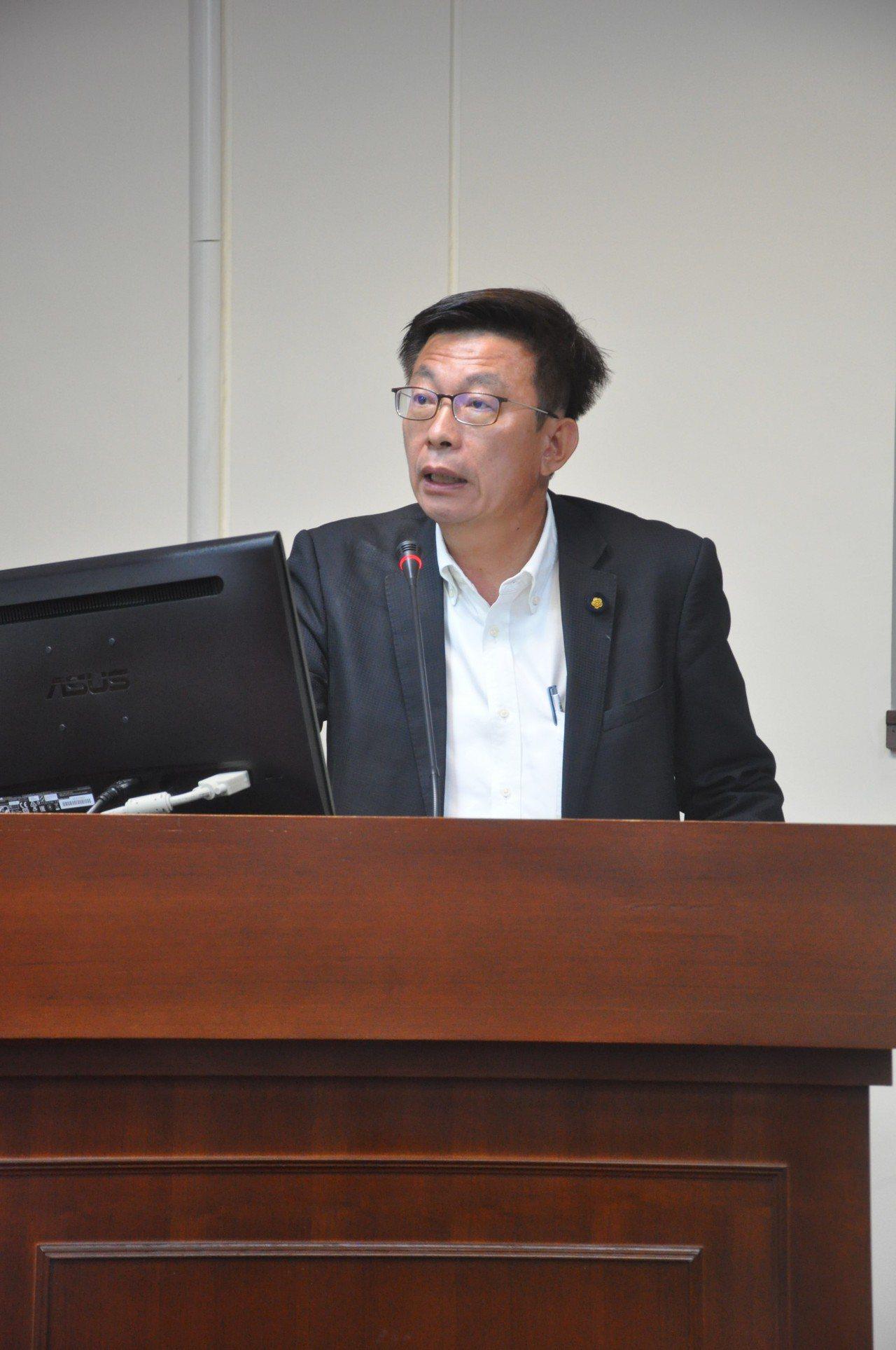 郭國文今天要求農委會冷鏈技術網絡建置絕不能漏掉台南。圖/郭國文提供