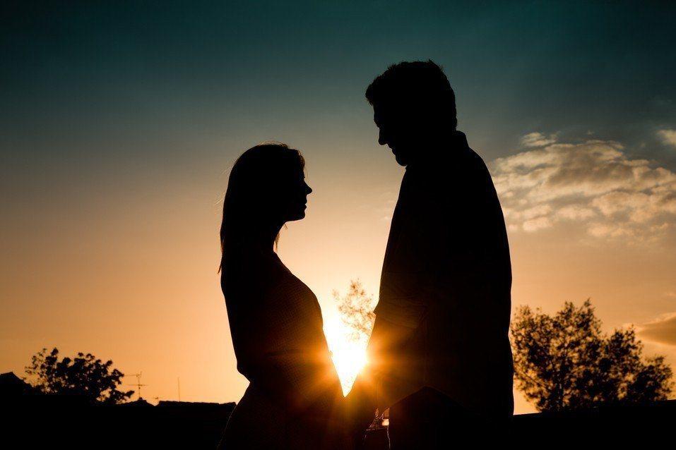 一名女子與已婚的蘇姓男子上床,2個星期後又和林姓男子性交易,事後她稱兩人侵害她的...