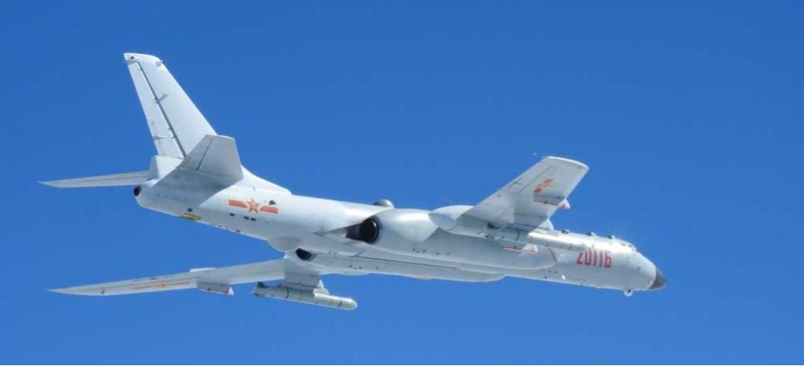 中共空軍的轟六K,可以與上圖轟六G比較機鼻與引擎的差異。圖/統合幕僚監部
