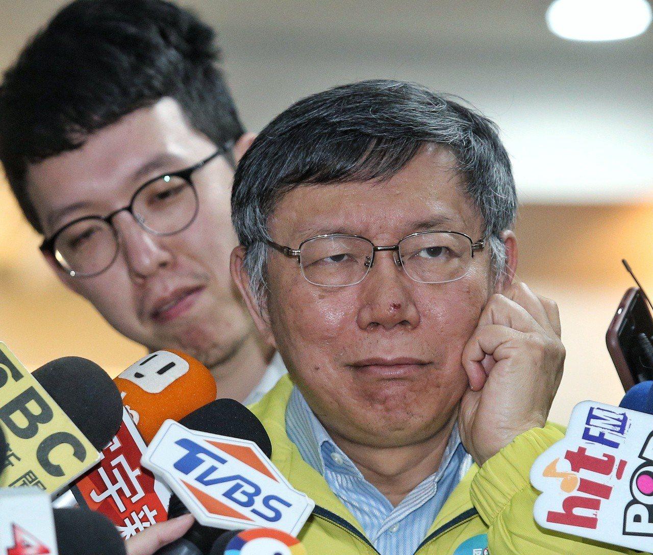 台北市長柯文哲在市政府接受媒體聯訪。 記者鄭清元/攝影