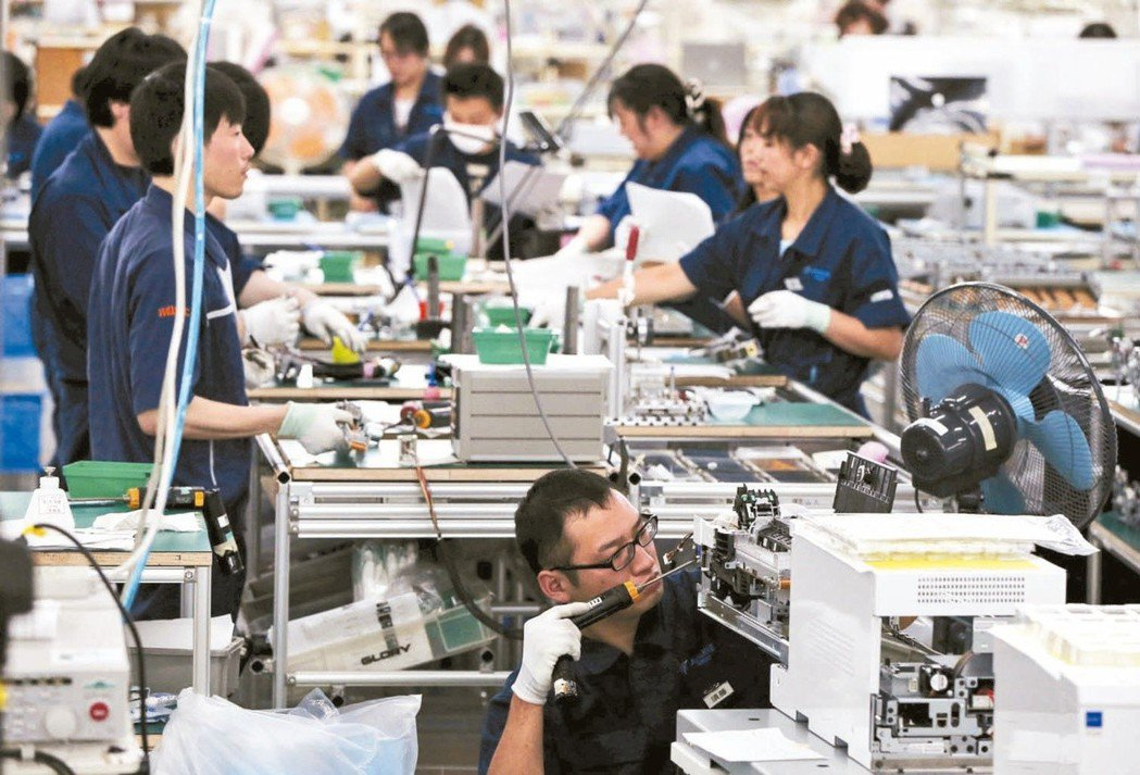 日本4月1日啟動擴大外國人才接納規模的新制度,以緩解勞動力短缺。(美聯社資料照片...
