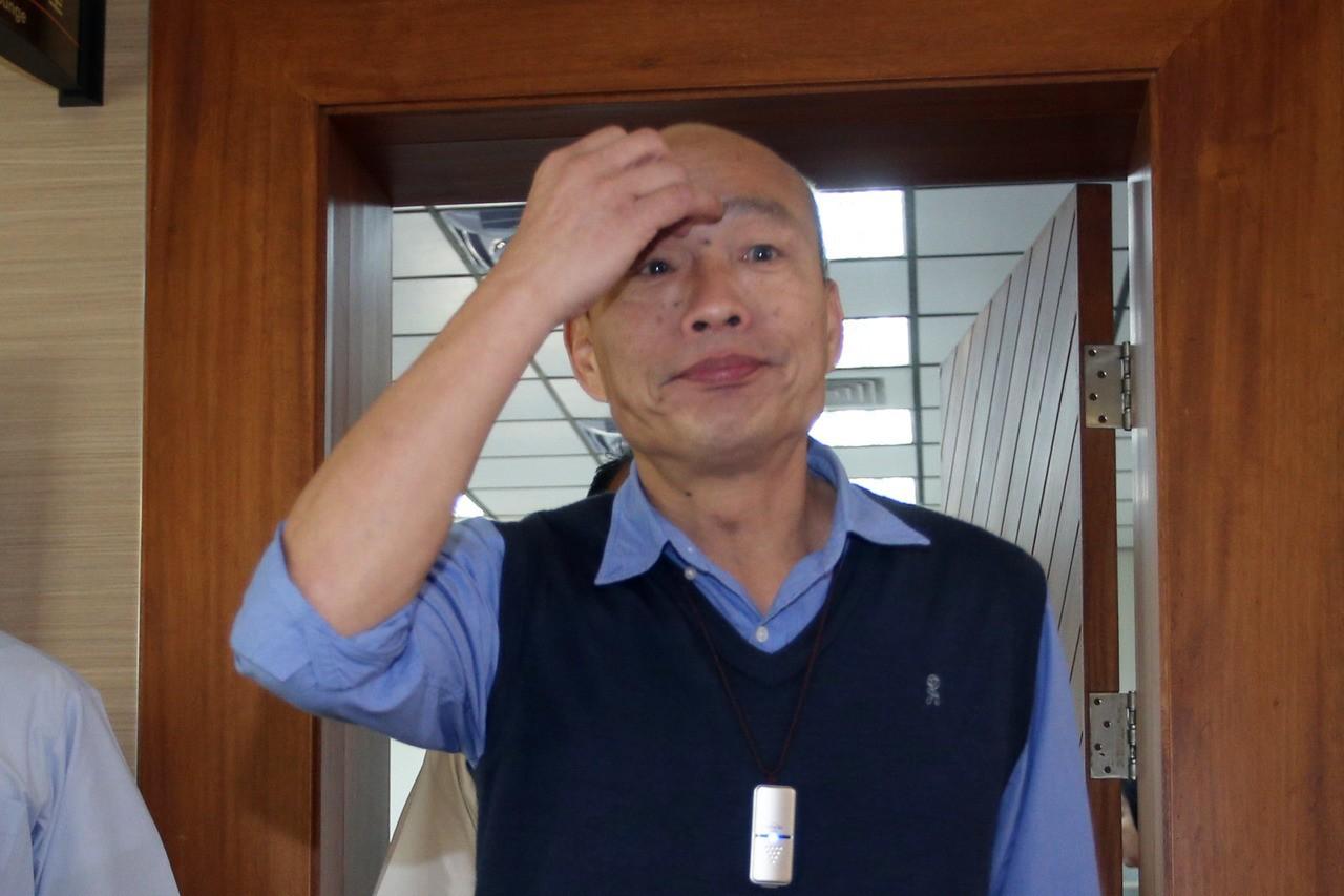陸委會主委陳明通今天針對「豬狗禽獸」說兩度鞠躬致歉,高雄市長韓國瑜只希望這一切過...